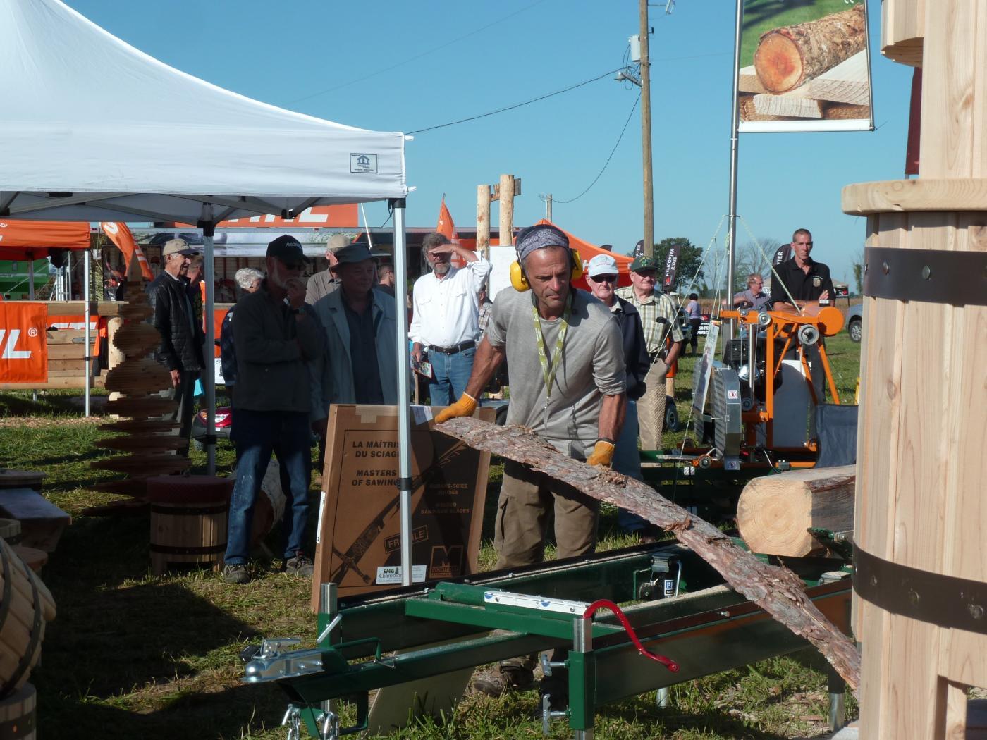 Scierie mobile - Le petit moulin du 4 milles - Artisans du cèdre - Cédrières - Saunas - Les barils - Cantons de l'Est - Estrie