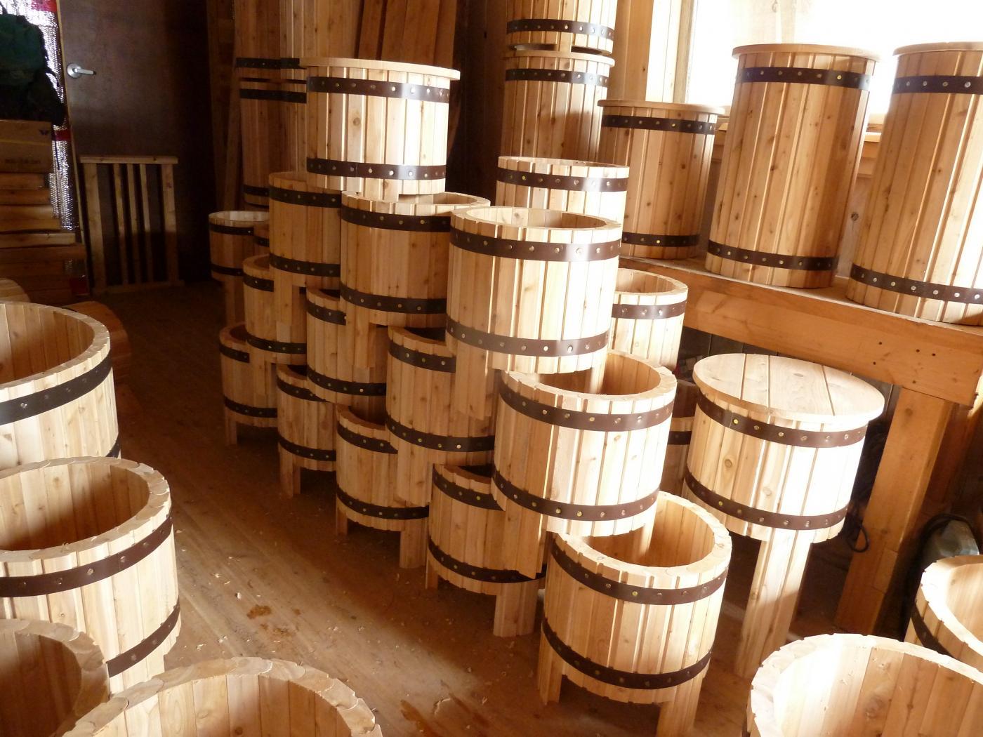 Pots a fleurs Le petit moulin du 4 milles - Artisans du cèdre - Cédrières - Saunas - Les barils - Cantons de l'Est - Estrie